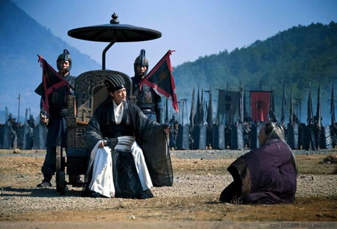 趣历史:诸葛亮一生最不该独断北伐,魏延墓前还跪着的诸葛亮石像